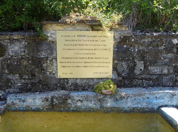 Targa commemorativa alla fomntana di Rovello Superiore