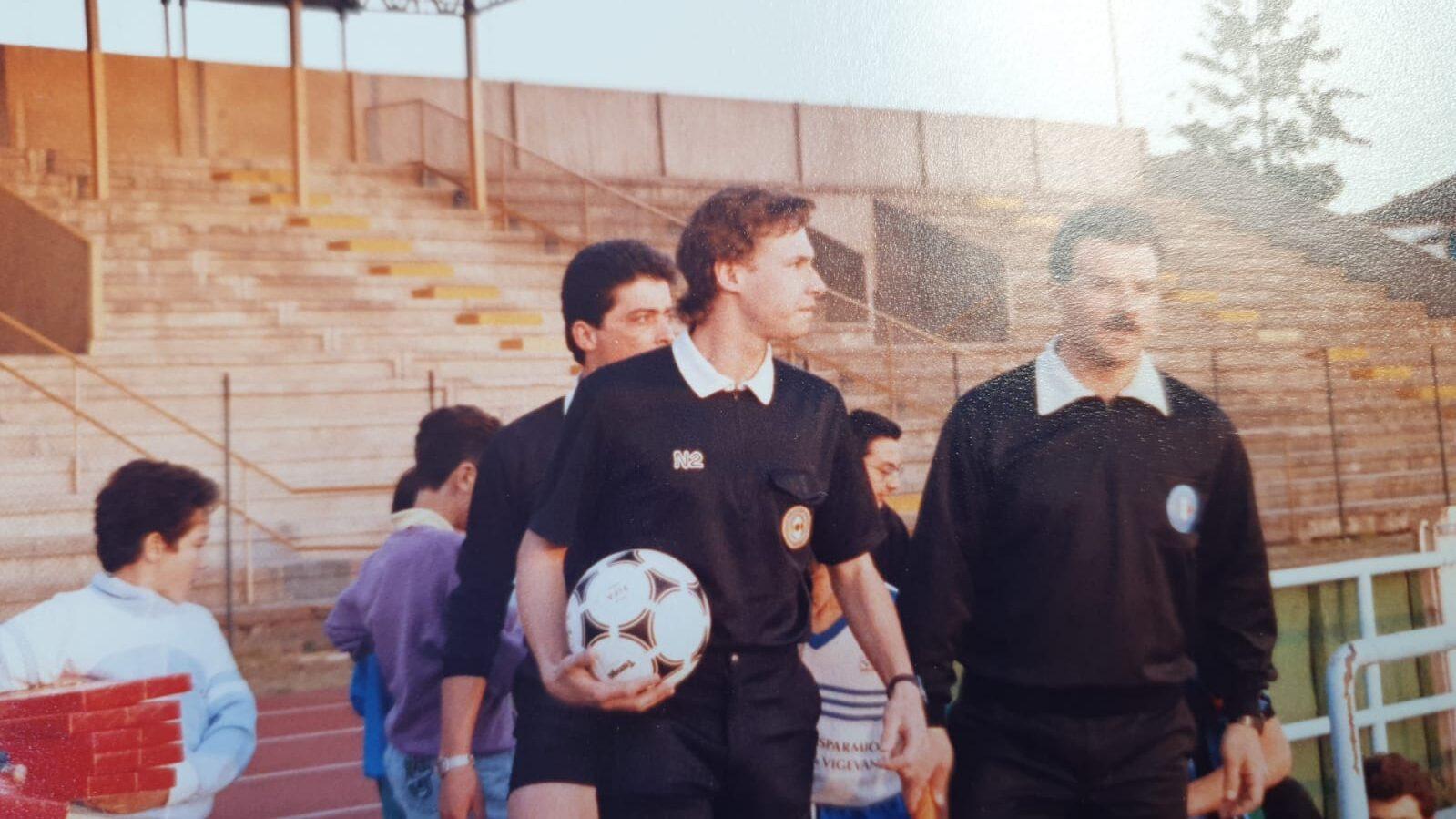 Roberto Canuto: un personaggio e un arbitro di calcio.